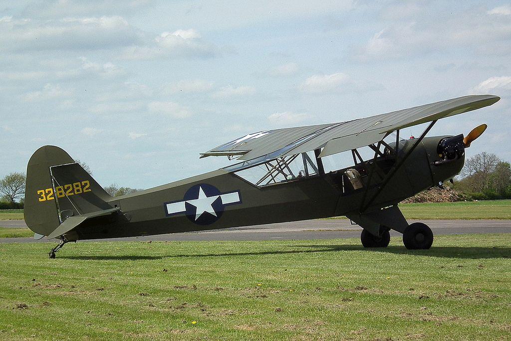 Avion Piper L-4B de 1942 à Noirmoutier-en-l'Ile