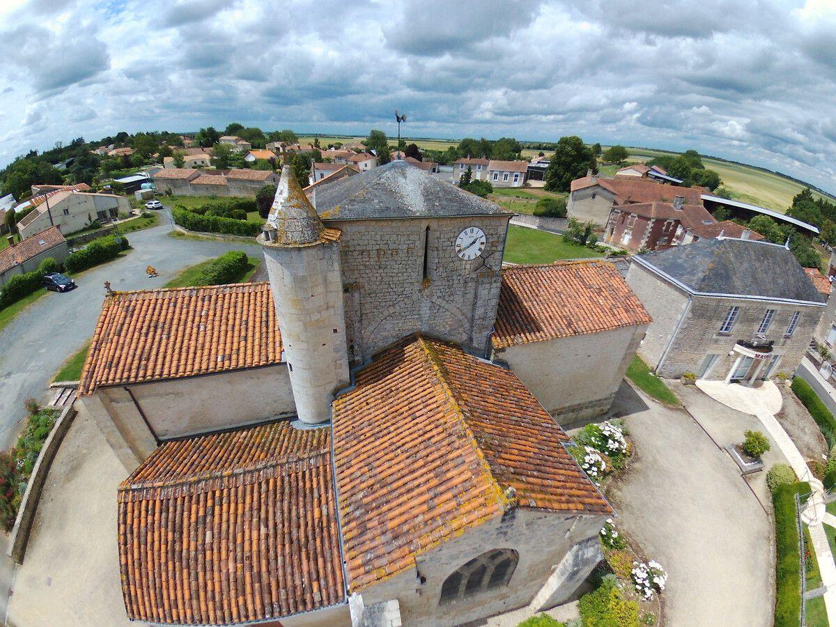 Eglise Saint-Julien de Pétosse en Vendée
