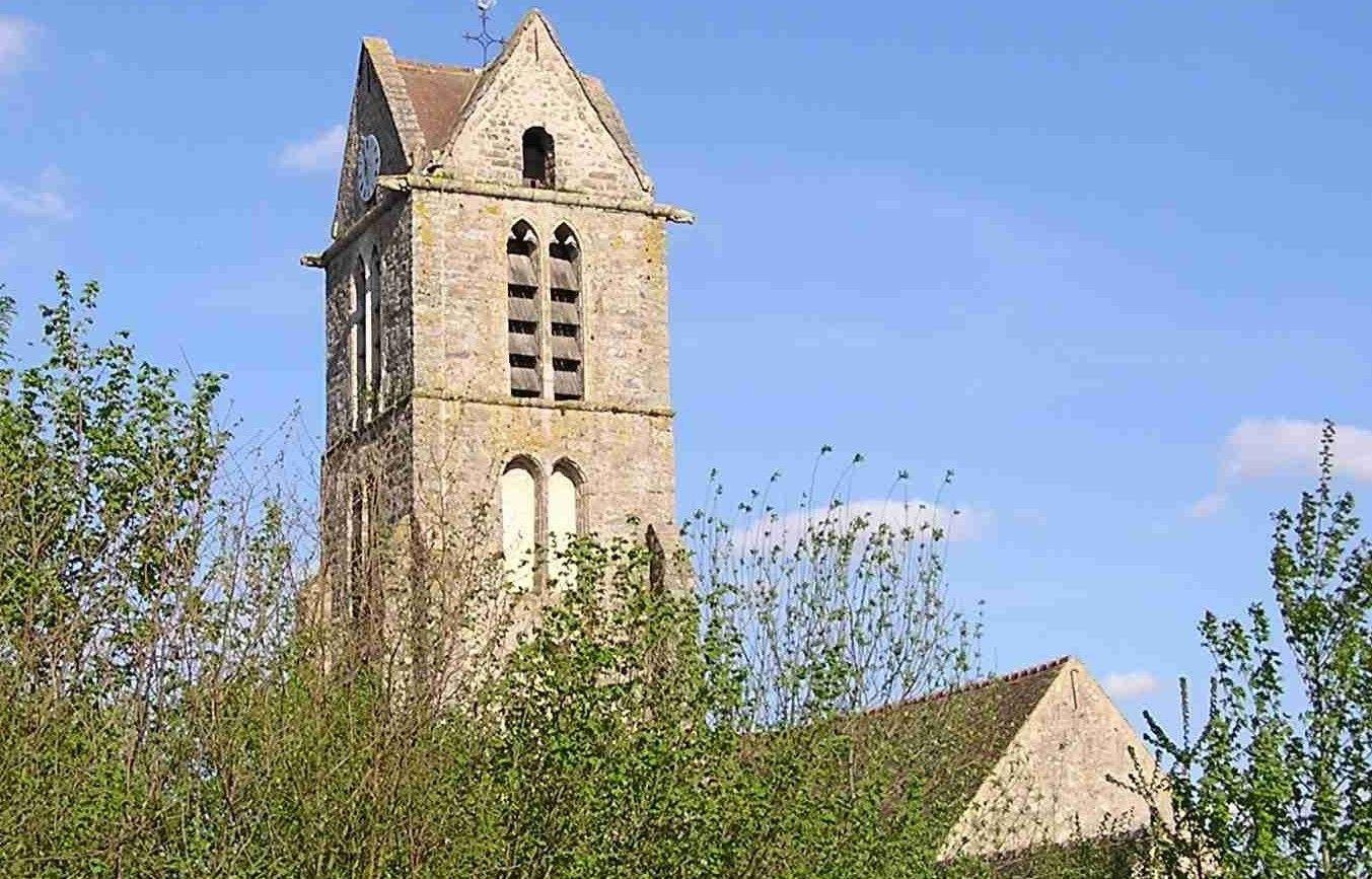 L'église Saint-Léonard de Videlles dans l'Essonne