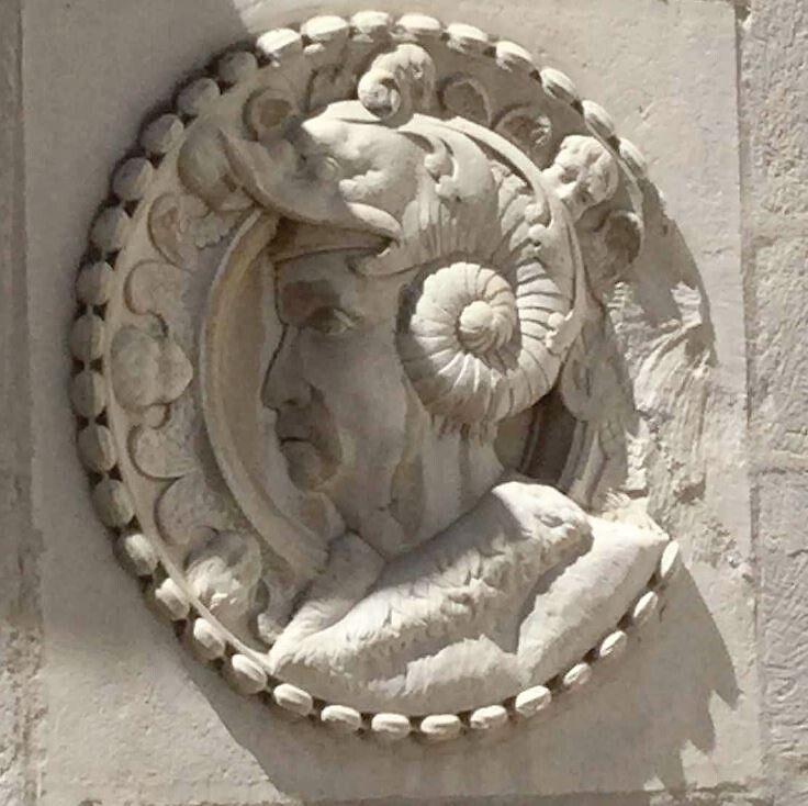 Element sculpté