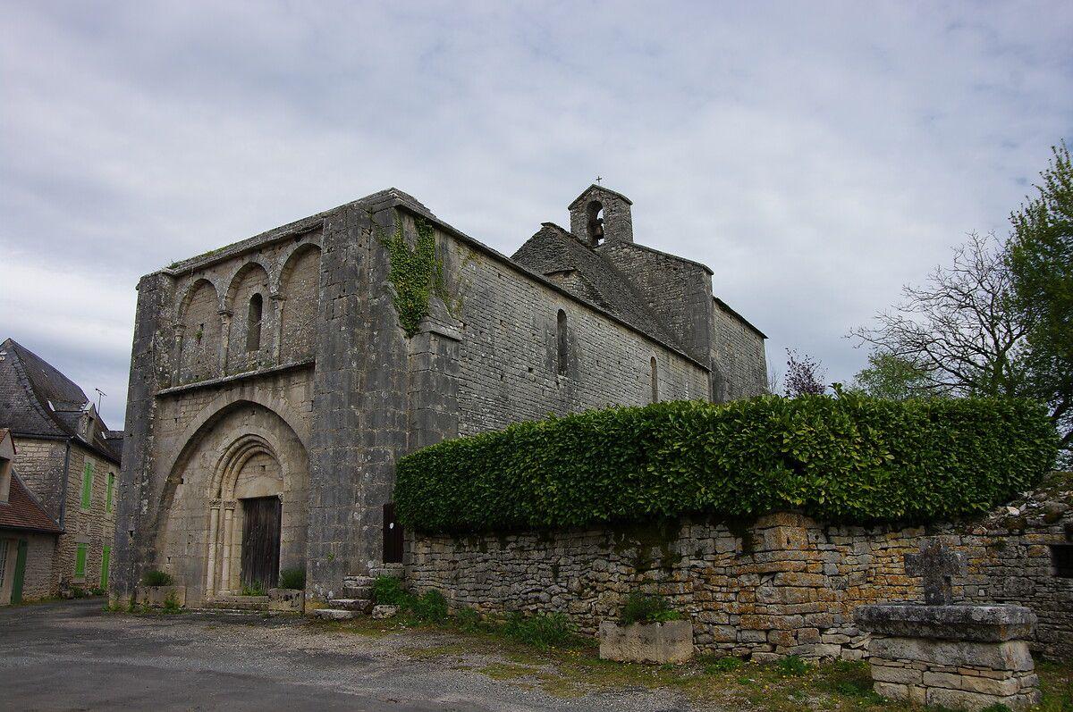 Église de Bauzens à Ajat