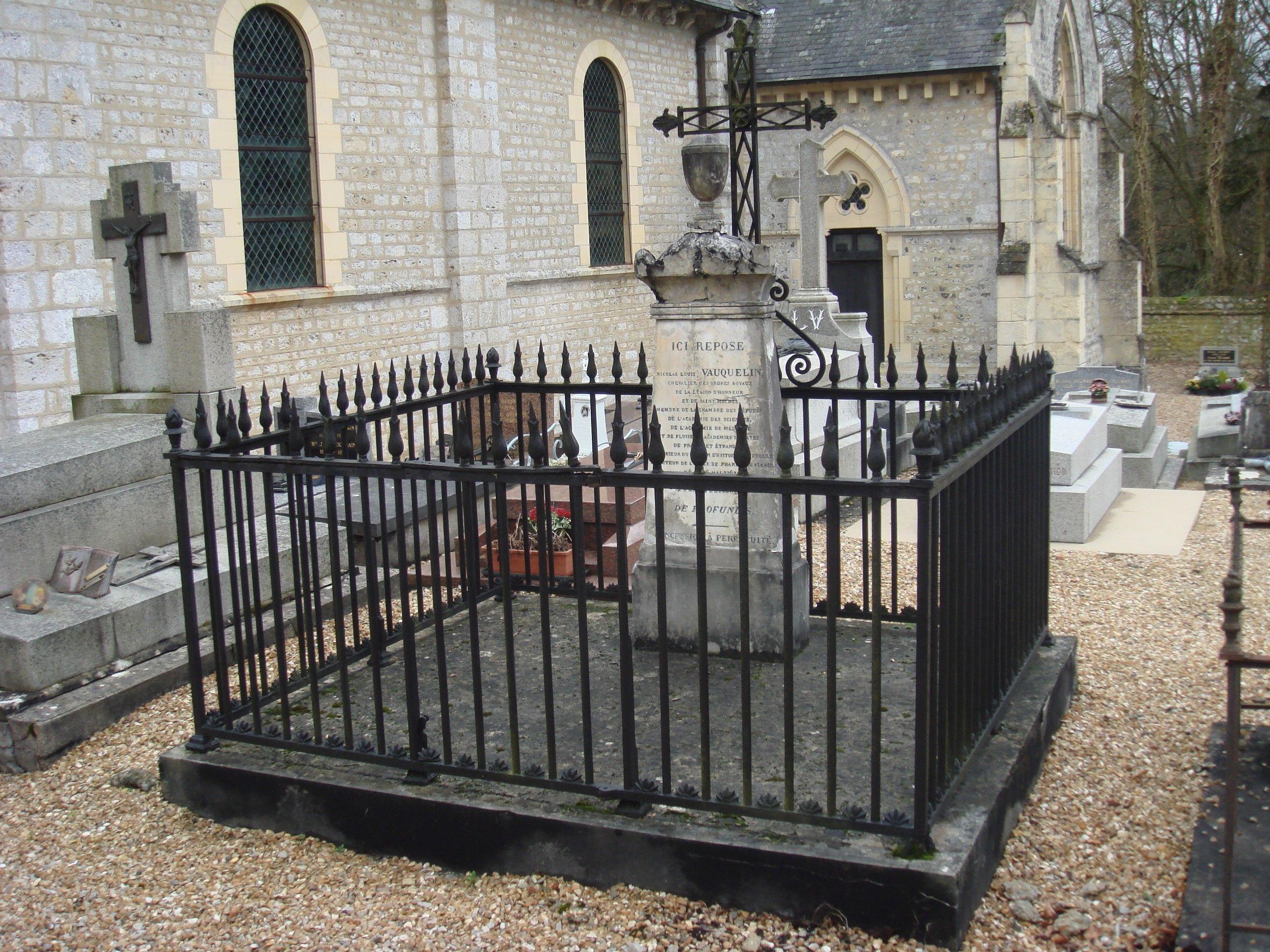 Tombe de Nicolas Vauquelin à Saint André d'Hébertot - Calvados