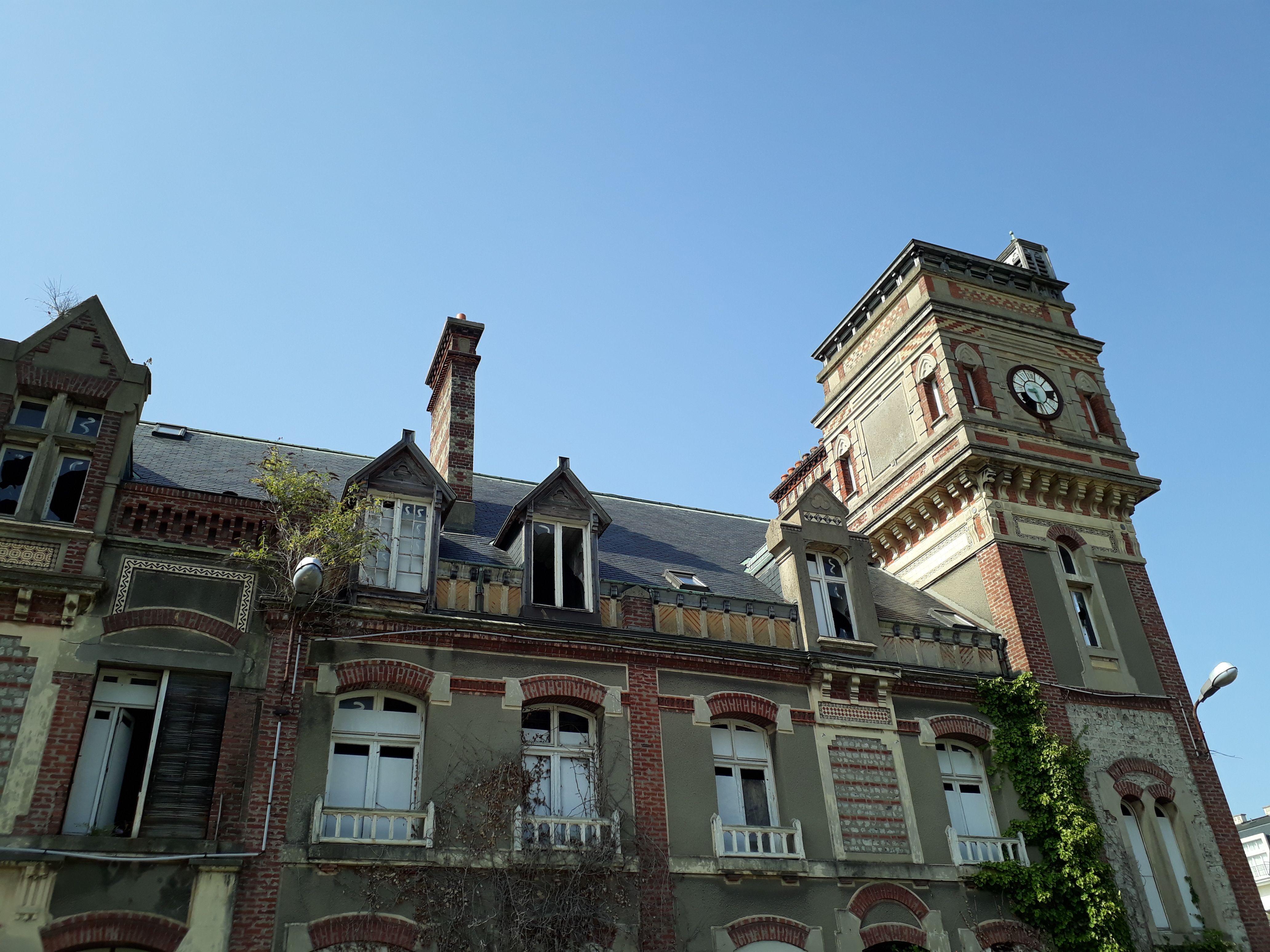 Beffroi de l'ancienne usine Tréfimétaux à Dives-sur-Mer - Calvados