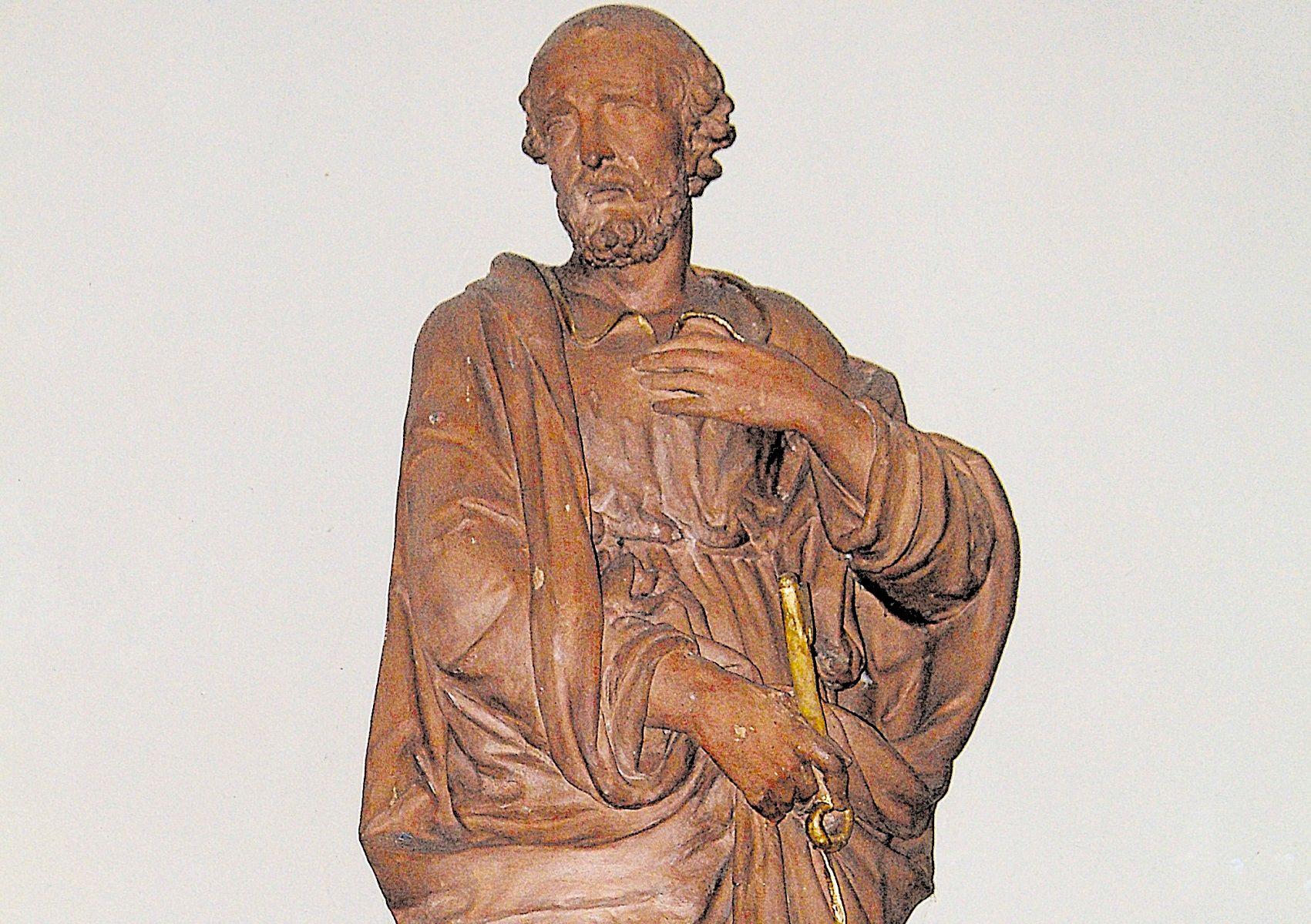 Statue de Saint Pierre de l'église de Sarge les le Mans