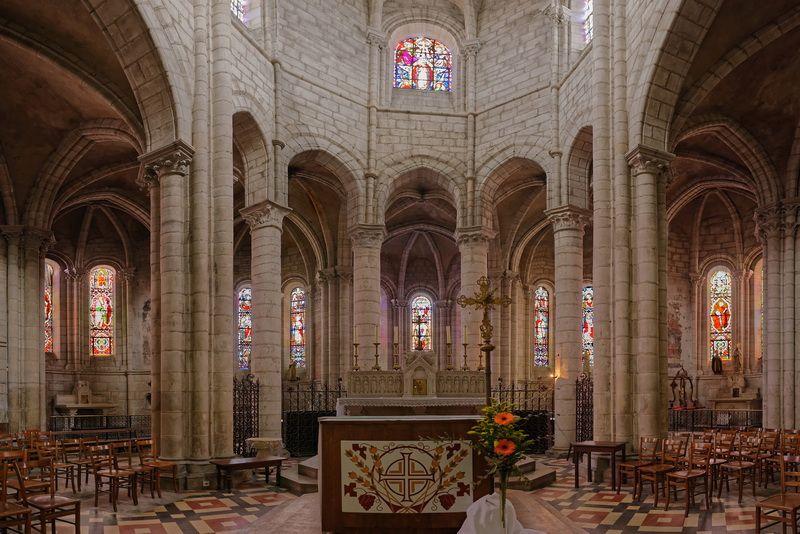 Eglise Saint-Léger à Ebreuil