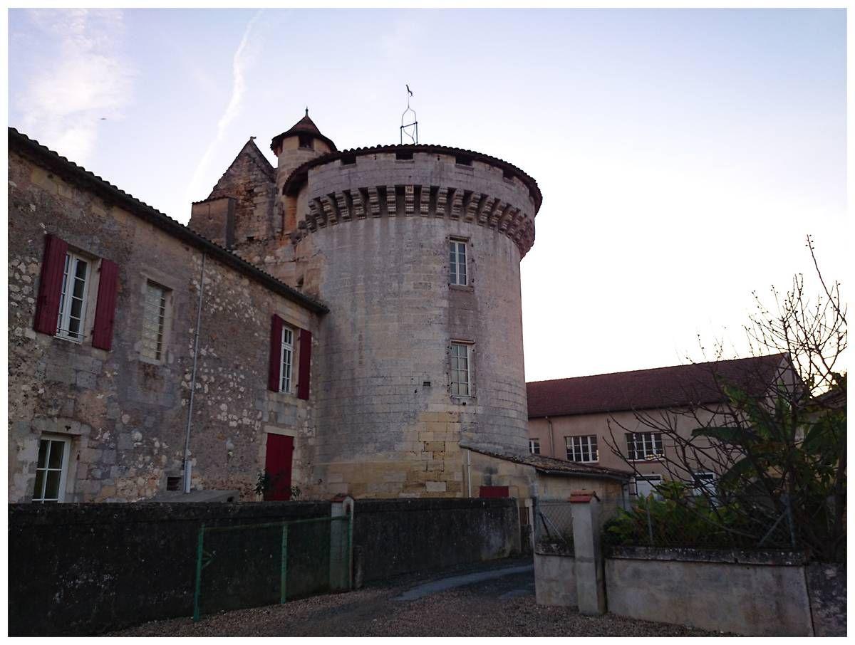 Tour forte à Lamothe-Montravel