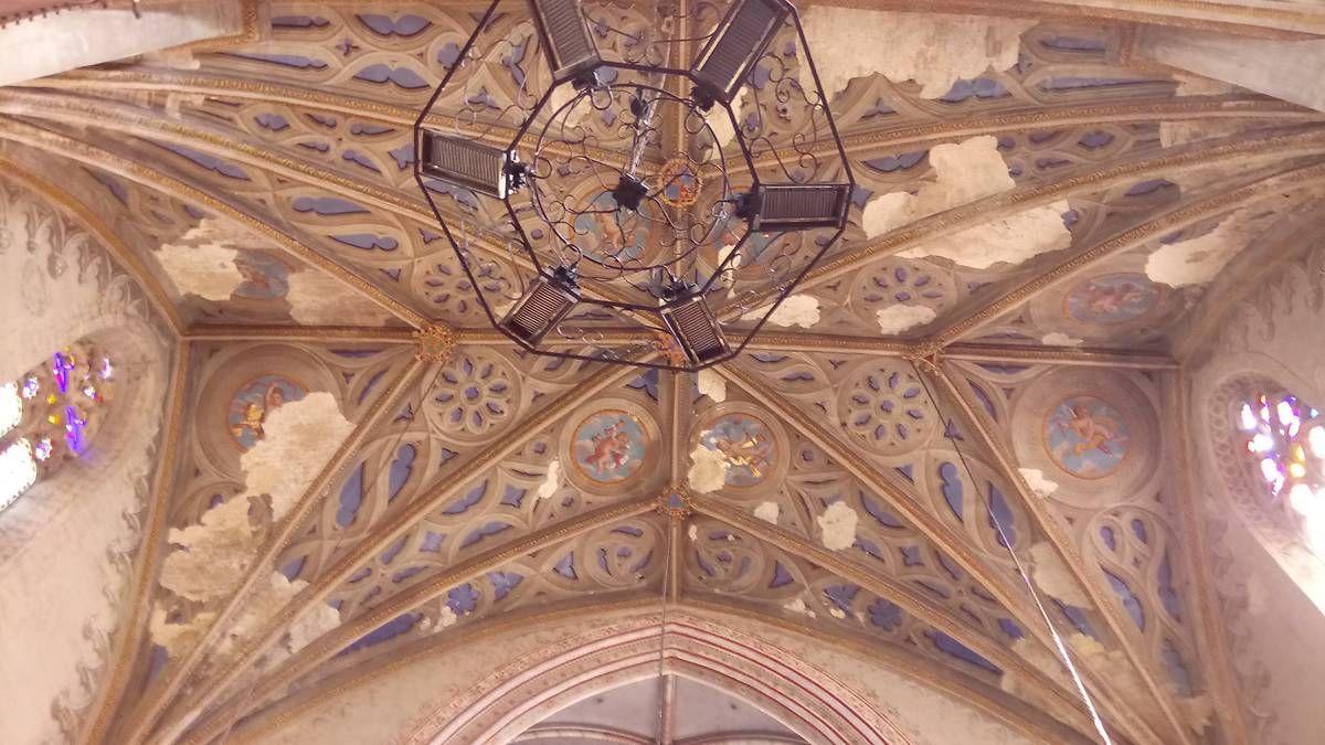 Transept et porche de l'église de Trie sur Baïse