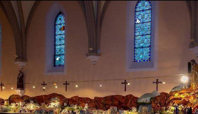 eglise et vitraux saint christophe sur guiers
