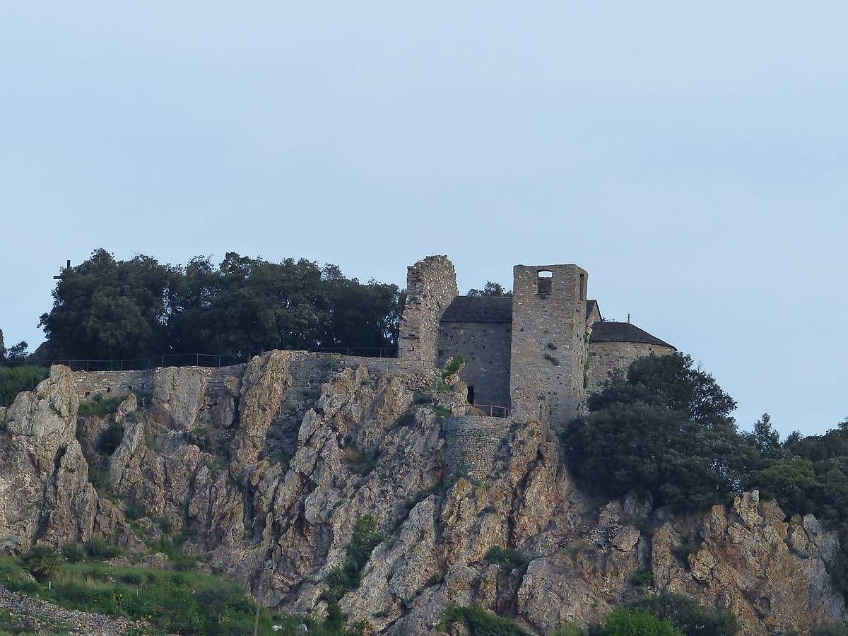 Le site castral de Roquessels