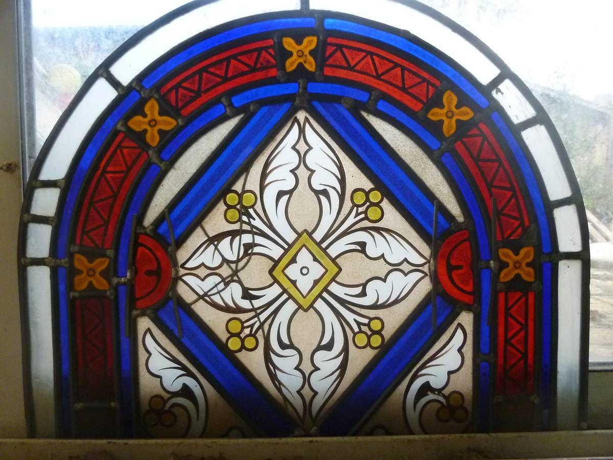 Vitrail de l'église de Puységur