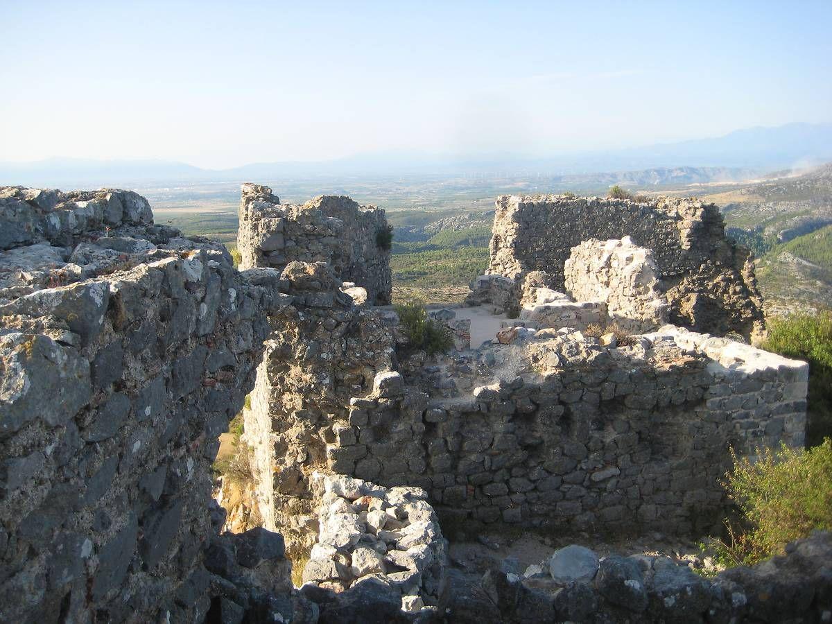 Le château de Salveterre à Opoul-Périllos