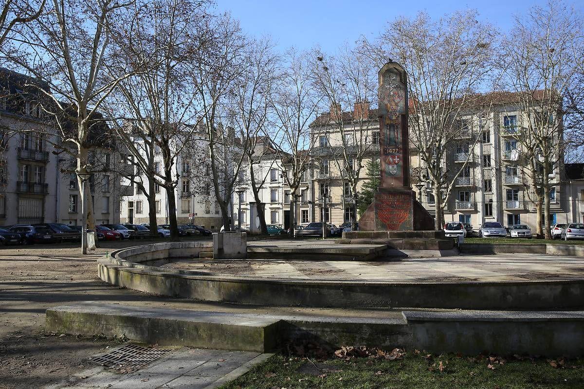 Monument de la Place de la Croix de Bourgogne à Nancy