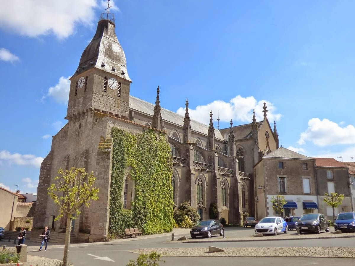 Église Saint Pierre de la Gaubretière en Vendée