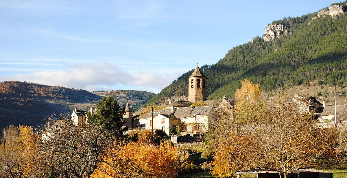 L'église Saint-Pierre Saint-Paul à Ispagnac