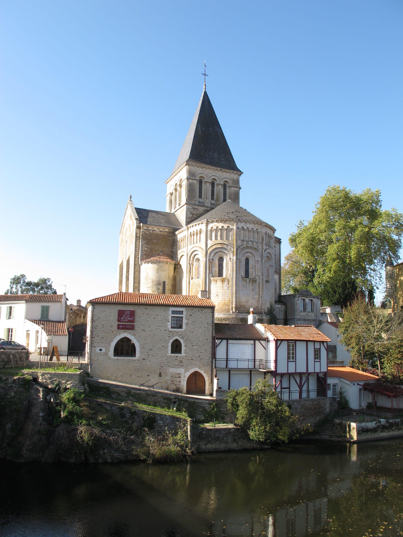 Eglise Saint-Sauveur à Mareuil-sur-Lay-Dissais