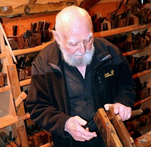 Manipulation d'un objet en bois