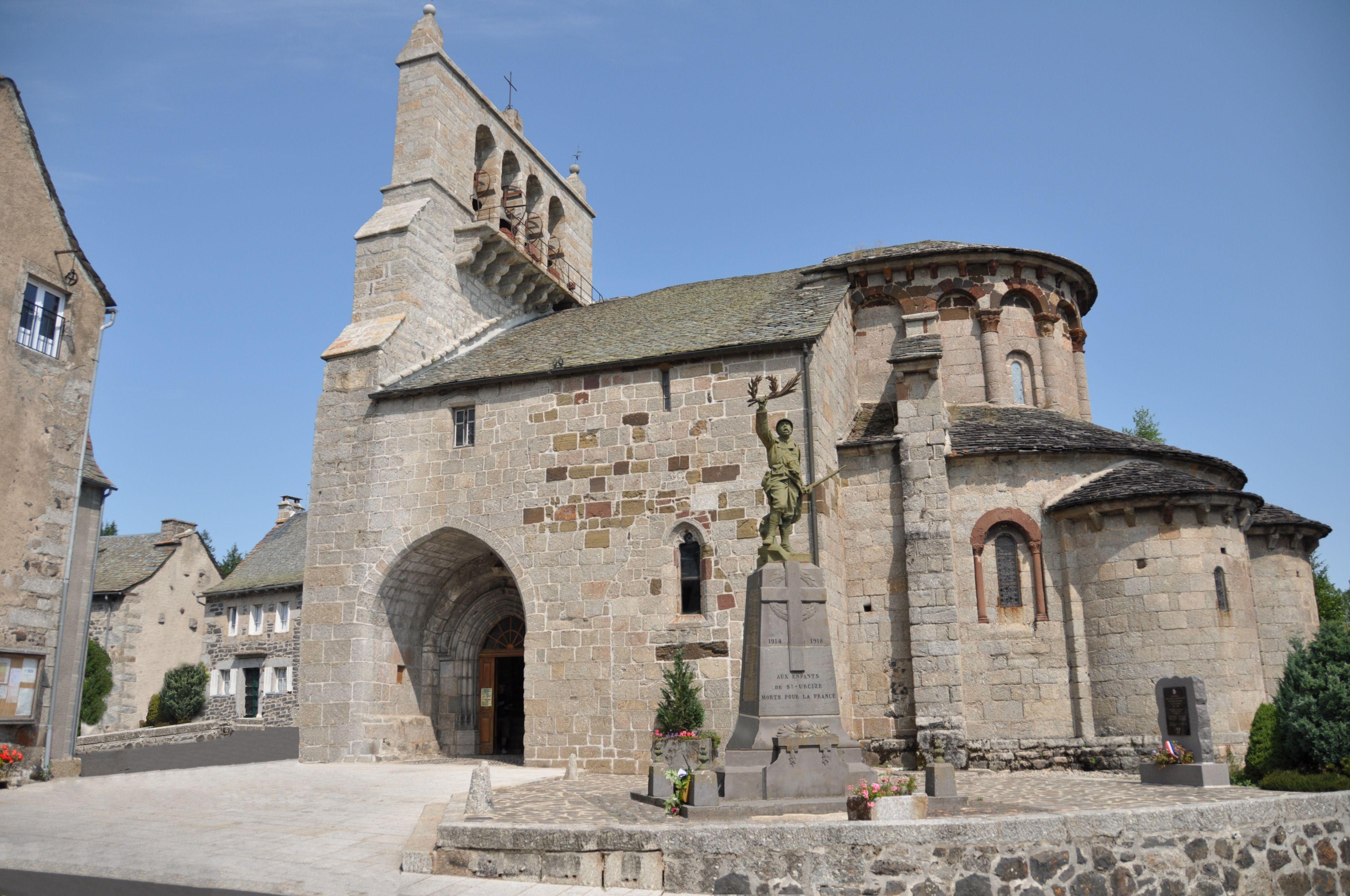 Eglise Saint-Pierre Saint-Michel de Saint-Urcize