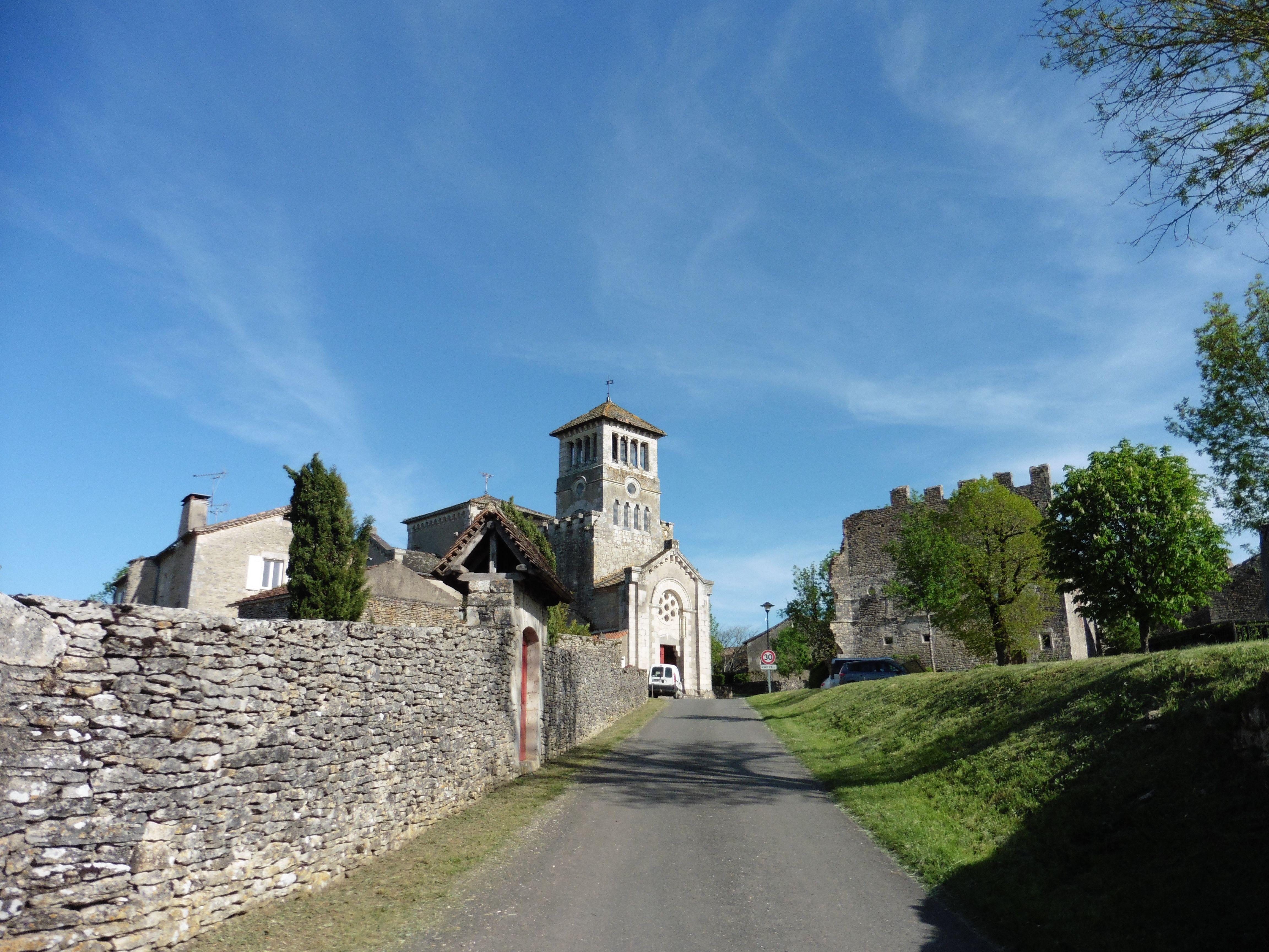 EGLISE SAINT JEAN BAPTISTE D'AUJOLS