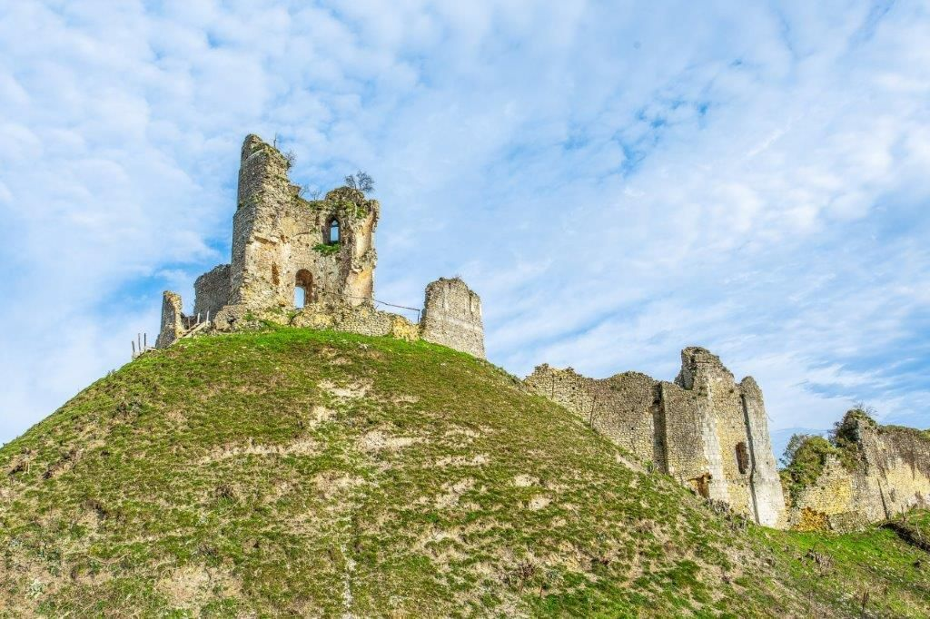 Le château à motte de Châteauneuf-sur-Epte
