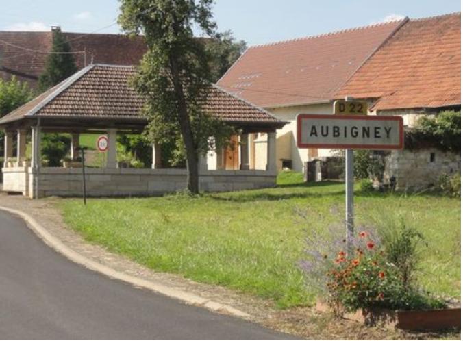 Le lavoir d'Aubigney