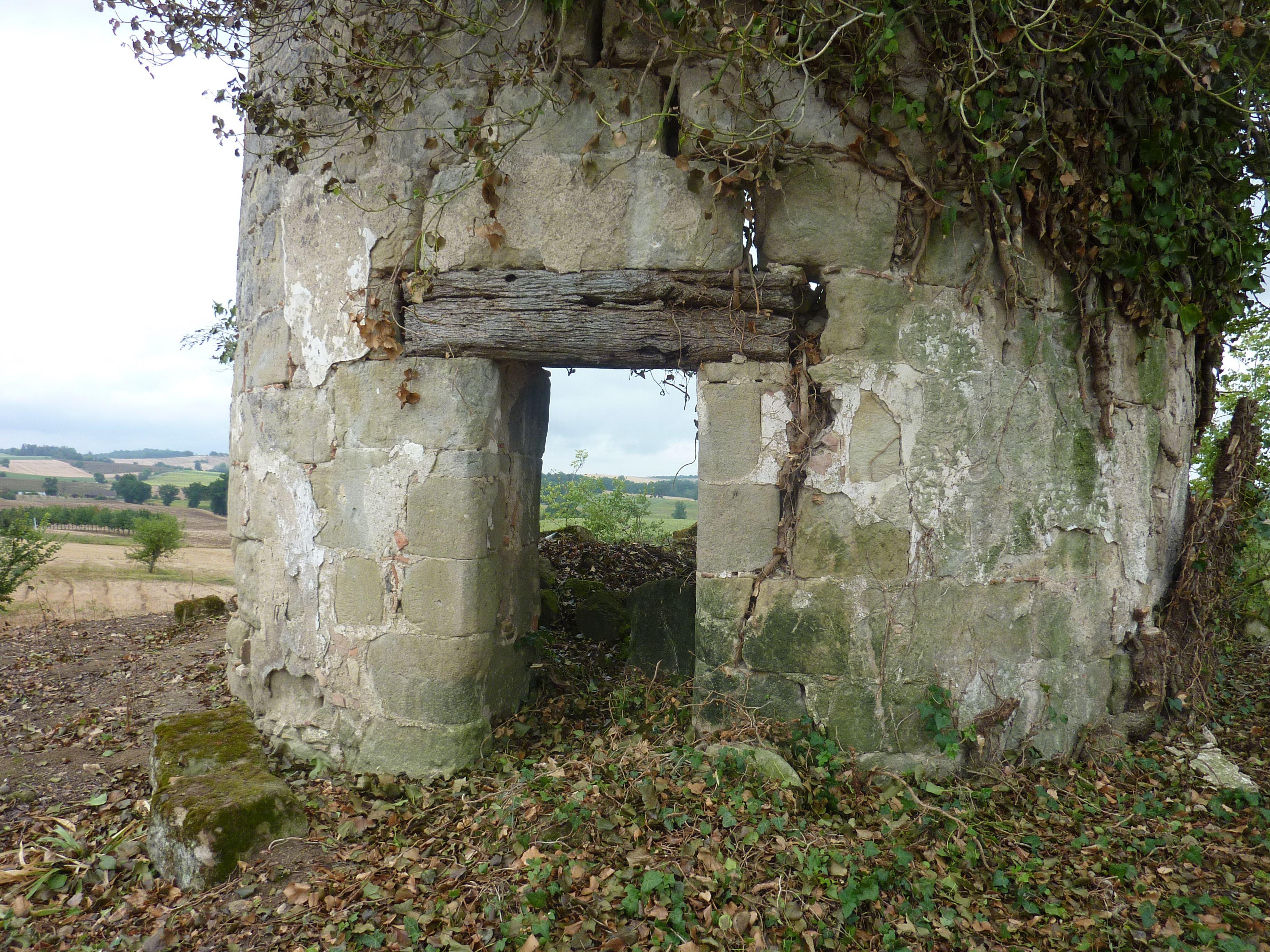 Moulin à vent à Montignac-de-Lauzun