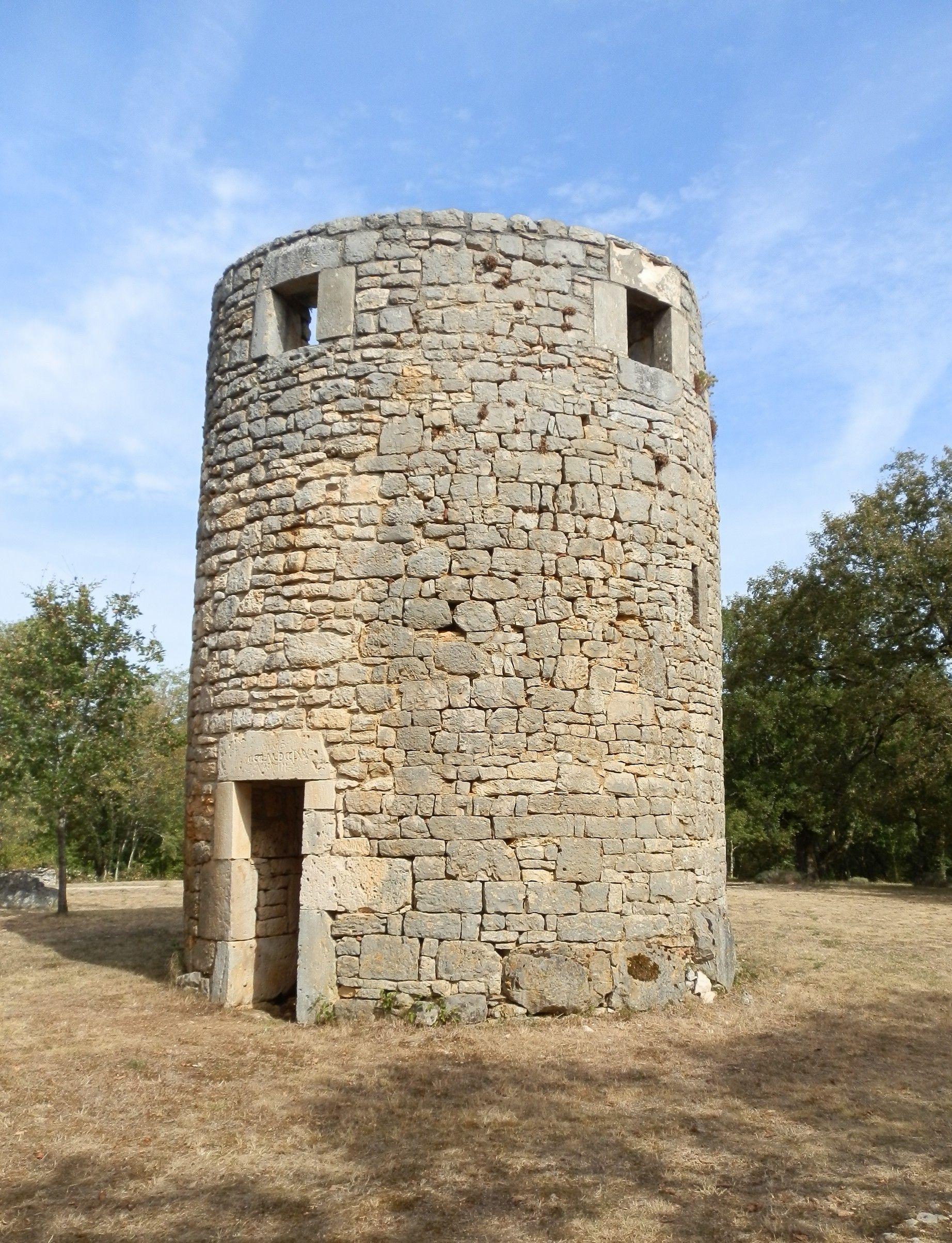 Restauration du Moulin à vent et du four à pain d'Esclauzels dans le Lot