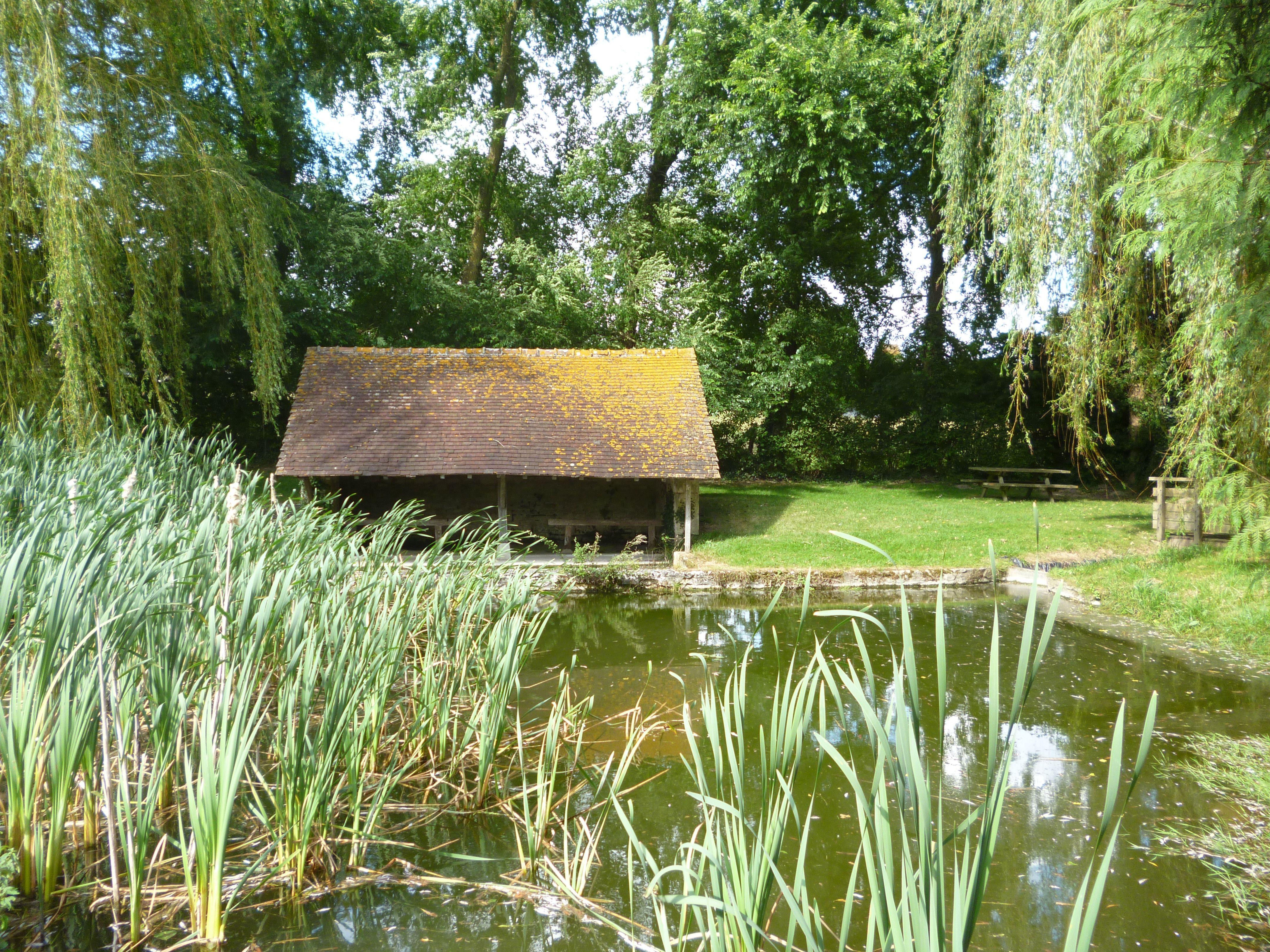 Lavoir de Vezot, en Sarthe