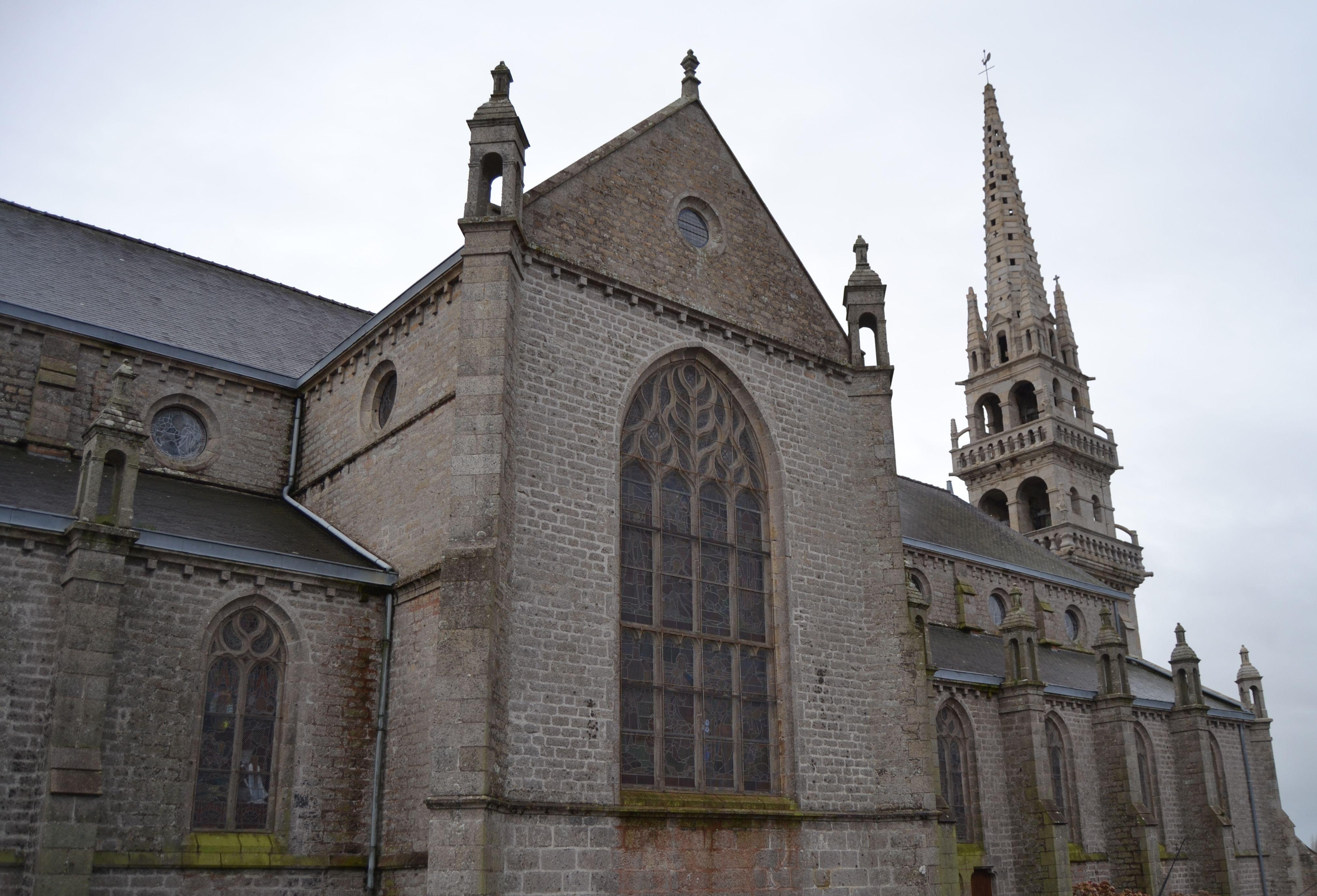 Église Saint-Pierre à Plounéour-Trez Brignogan