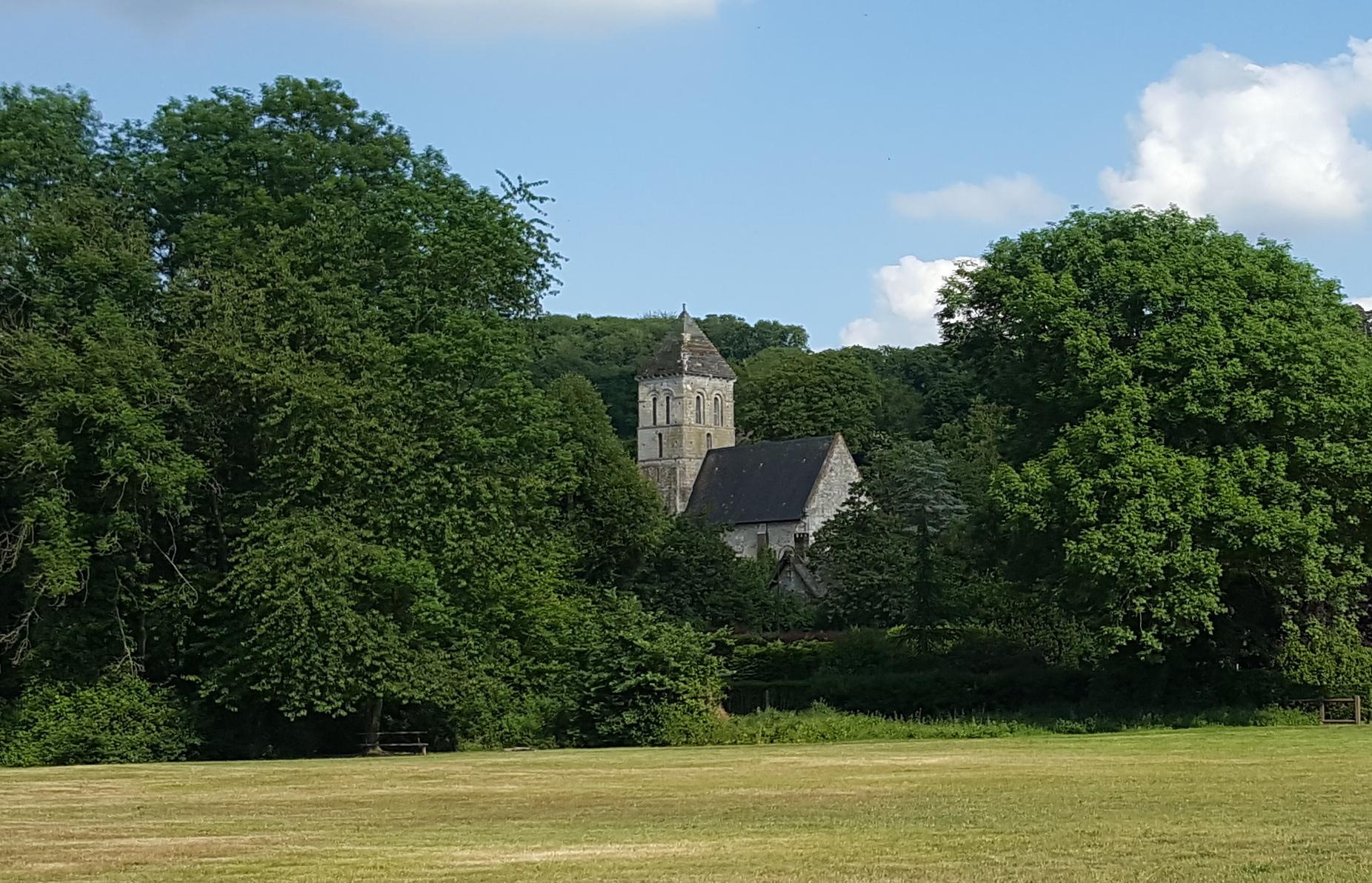 L'église Saint-Pierre d'Aizier