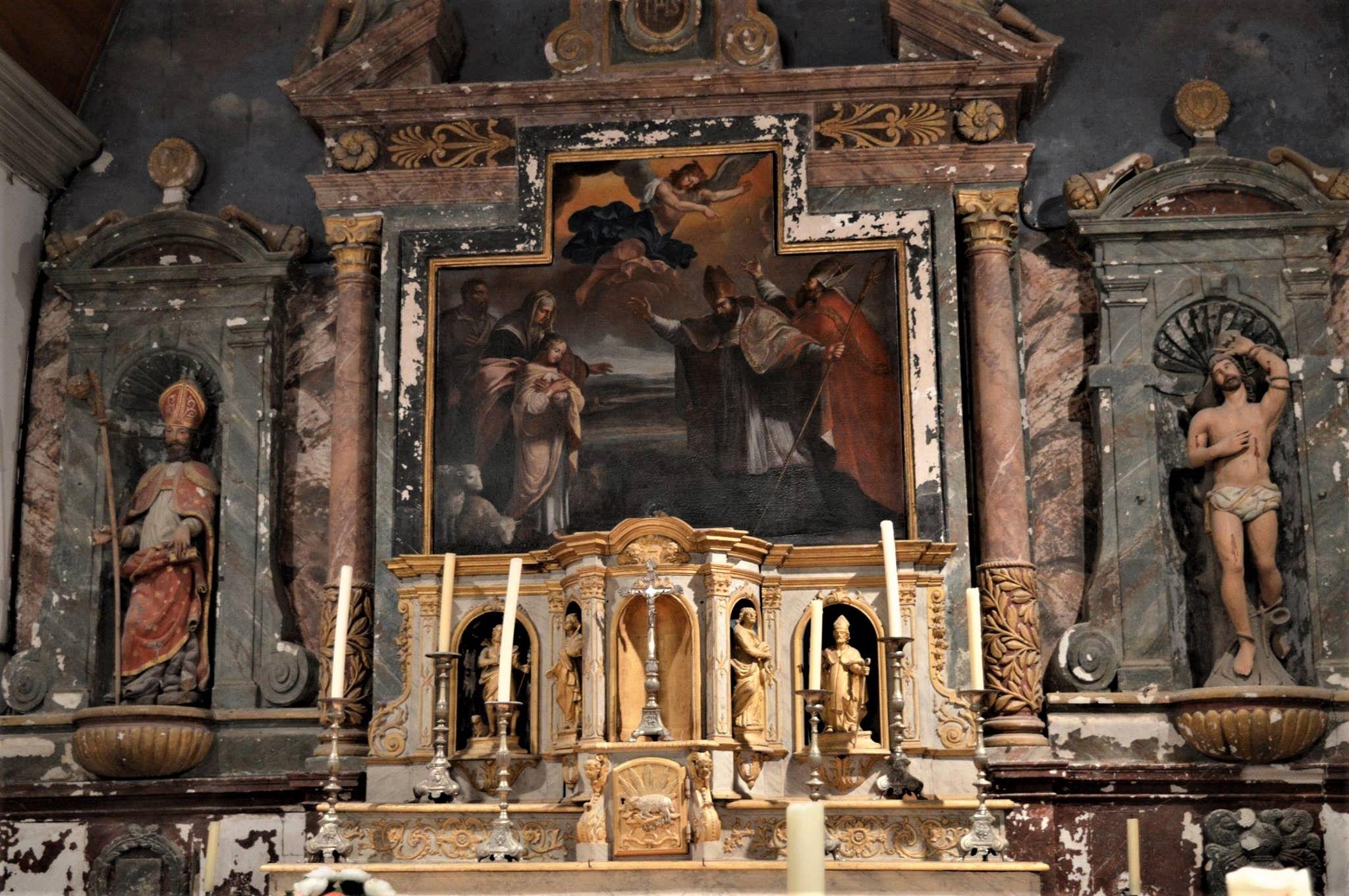 Statues et cadre du retable de l'église de Louvigny en Sarthe