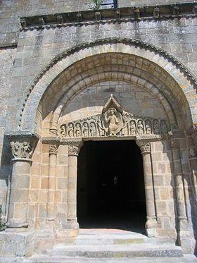 Tympan de l'église Saint-Julien