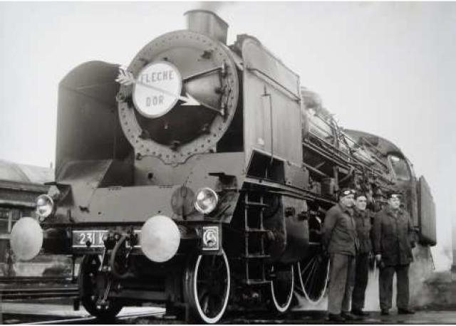 Locomotive à vapeur 231K 82 et son tender
