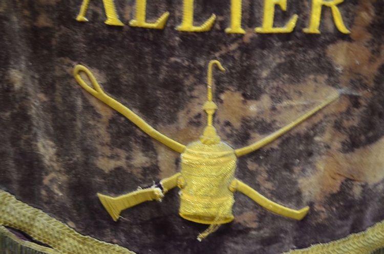 Bannière des Mines à Saint-Hilaire