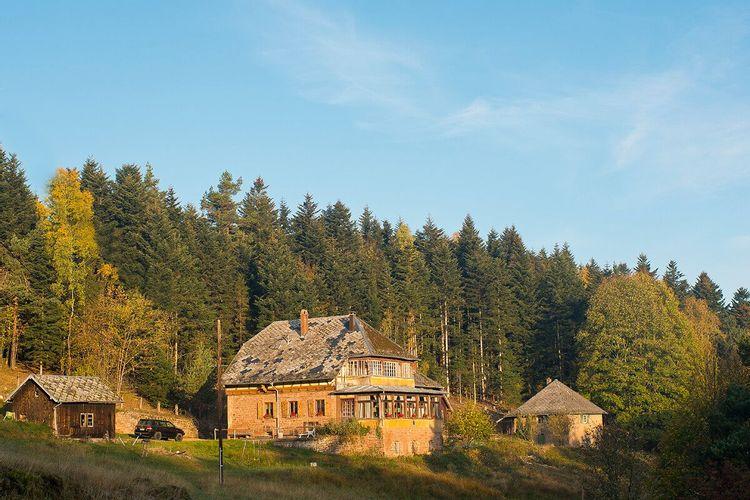 vue d'ensemble de la maison forestière du spitzberg à dabo.