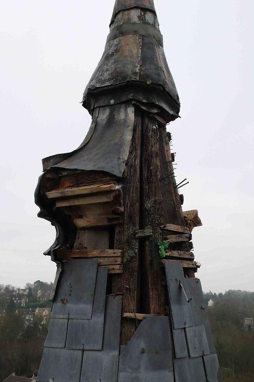 Flèche à restaurer - Eglise Saint-Médard de Vigny dans le Val d'Oise