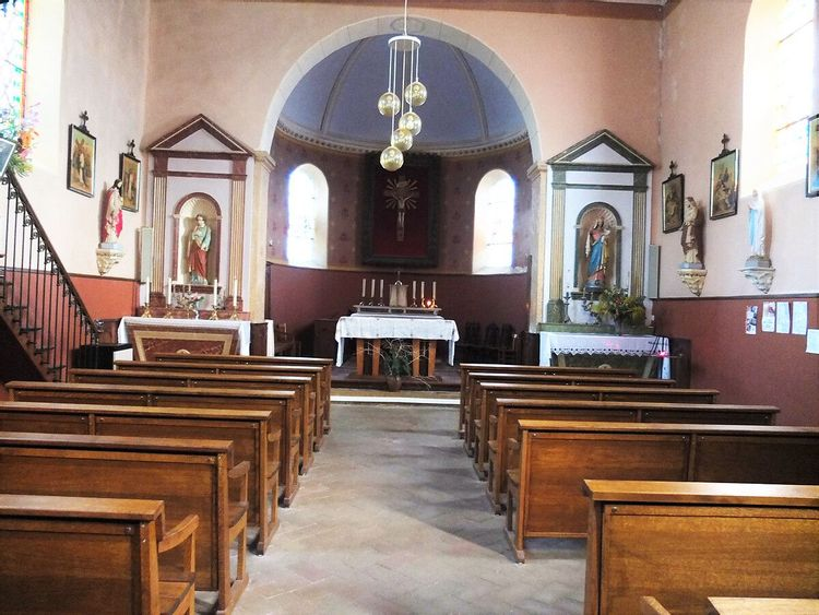 Boiseries et mobilier église Saint-Cyr-le-Châtoux dans le Rhône