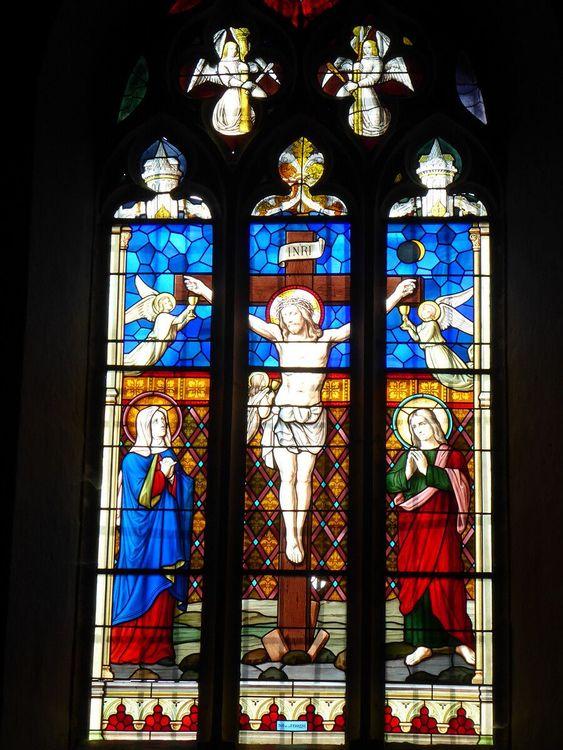 Vitrail de l'église de Montaiguët-en-Forez