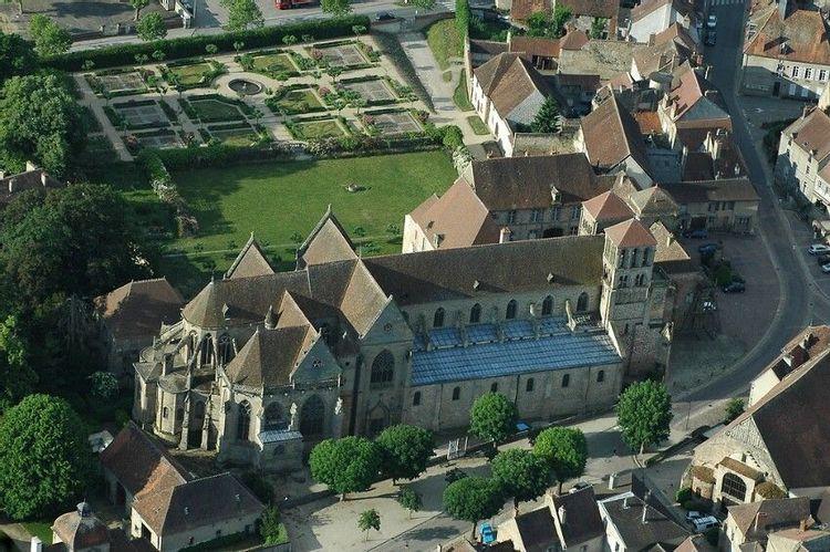 Vue aérienne du prieuré de Souvigny