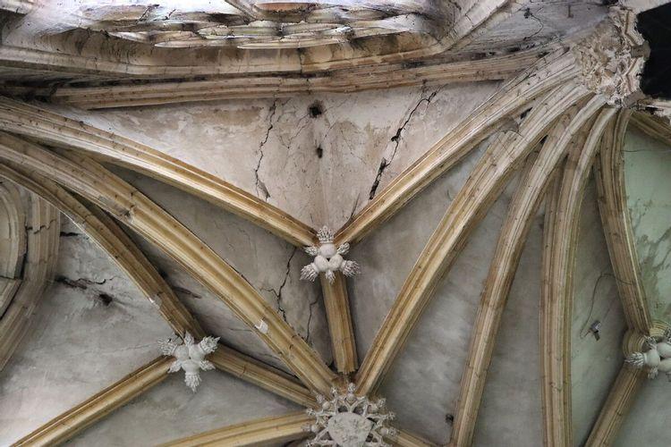 Désordres de la chapelle Neuve des Bourbons à Souvigny