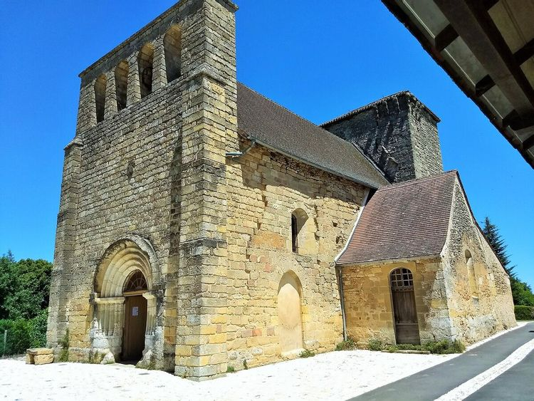 Vue côté église Sainte-Marie