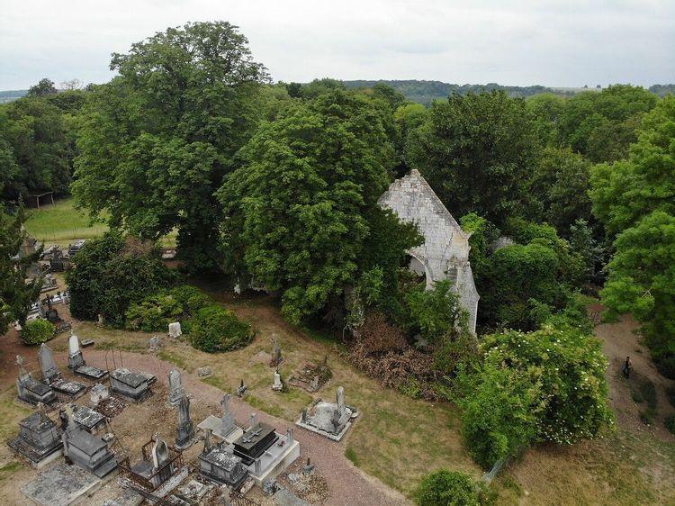 Ancienne église de Becquigny dans la Somme