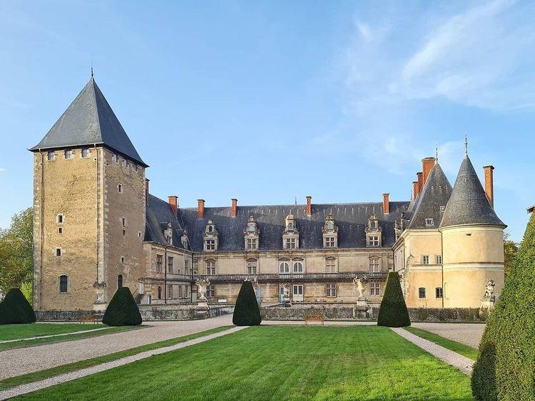 Grille d'honneur du Château de Fléville