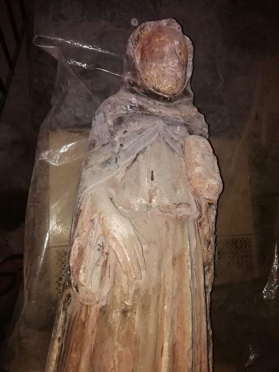 statues et stations du chemine de croix