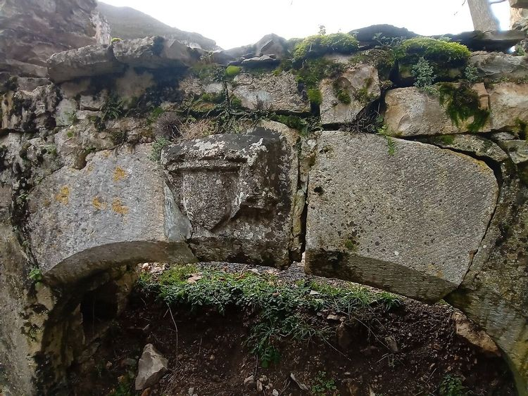 Arche du manoir de Montesquiou