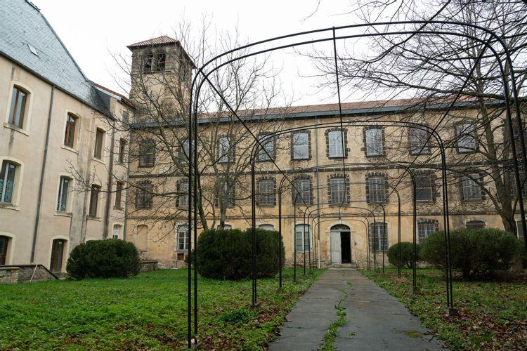 ancien collège des jésuites à billom