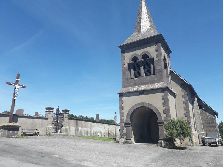 Vitraux de l'église de Merlines