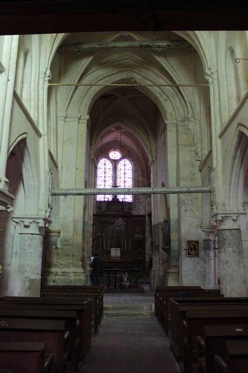 Nef centrale, église Saint-Fiacre de Livilliers