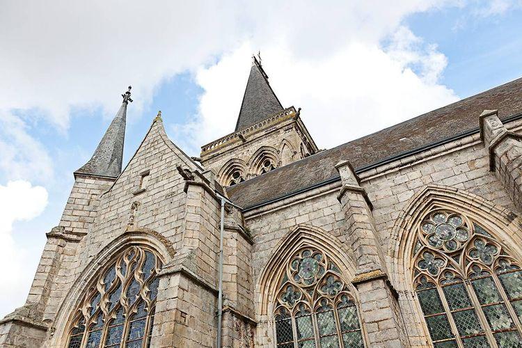 L'église Notre-Dame du Bourg-Dun
