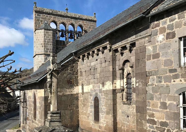 eglise de sainte-anastasie à neussargues-en-pinatelle