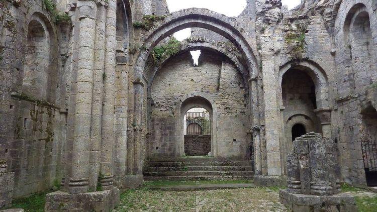 Abbaye Saint-Pierre à Marcilhac-sur-Célé